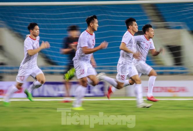 Trước trận gặp UAE, thầy Park gây chú ý với hành động đặc biệt ở Mỹ Đình - ảnh 8