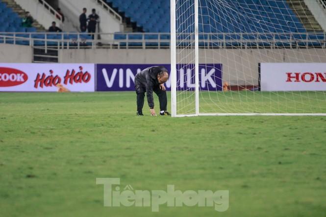 Trước trận gặp UAE, thầy Park gây chú ý với hành động đặc biệt ở Mỹ Đình - ảnh 5
