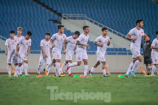 Trước trận gặp UAE, thầy Park gây chú ý với hành động đặc biệt ở Mỹ Đình - ảnh 6