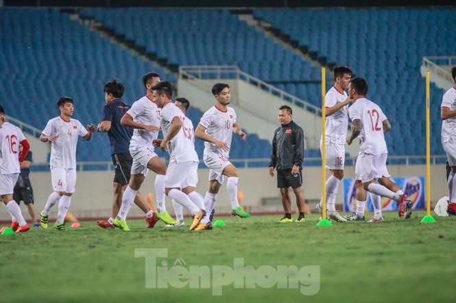 Trước trận gặp UAE, thầy Park gây chú ý với hành động đặc biệt ở Mỹ Đình - ảnh 7