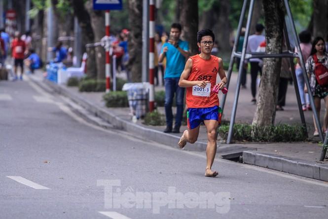 Giải chạy tiếp sức Kizuna Ekiden: 'Chạy vì an toàn giao thông'. - ảnh 13