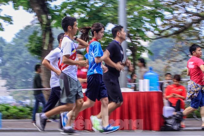 Giải chạy tiếp sức Kizuna Ekiden: 'Chạy vì an toàn giao thông'. - ảnh 16