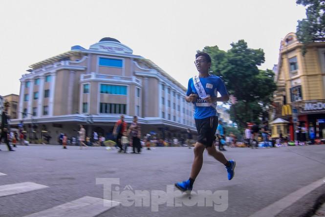 Giải chạy tiếp sức Kizuna Ekiden: 'Chạy vì an toàn giao thông'. - ảnh 7