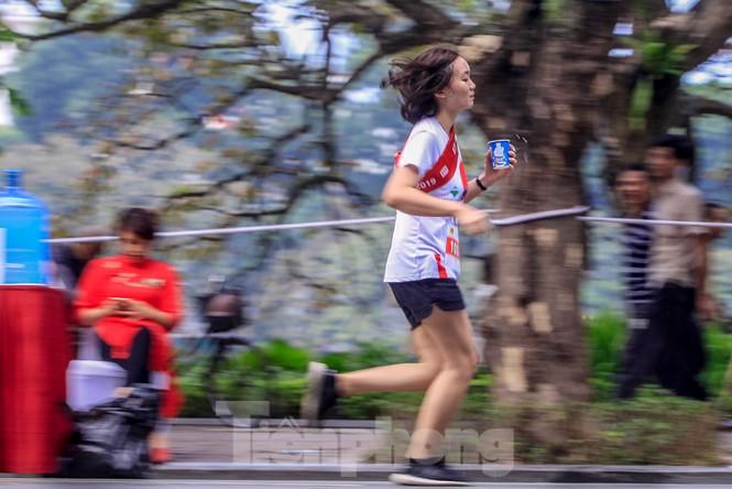 Giải chạy tiếp sức Kizuna Ekiden: 'Chạy vì an toàn giao thông'. - ảnh 9