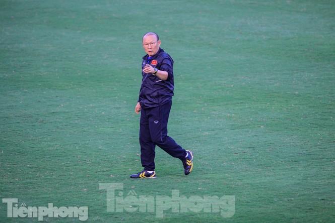 HLV Park Hang Seo nhận món quà bất ngờ trước trận Thái Lan - ảnh 4