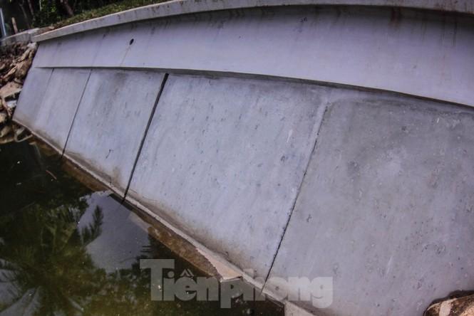Cận cảnh bờ kè bằng khối bê tông đúc sẵn thí điểm cho Hồ Gươm - ảnh 3