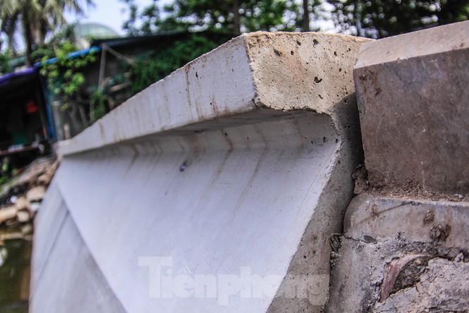 Cận cảnh bờ kè bằng khối bê tông đúc sẵn thí điểm cho Hồ Gươm - ảnh 4