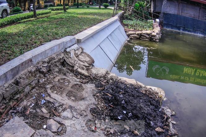 Cận cảnh bờ kè bằng khối bê tông đúc sẵn thí điểm cho Hồ Gươm - ảnh 5