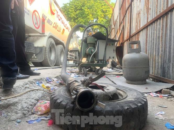Theo chân Cảnh sát Kinh tế Hải Phòng bắt gas lậu - ảnh 4