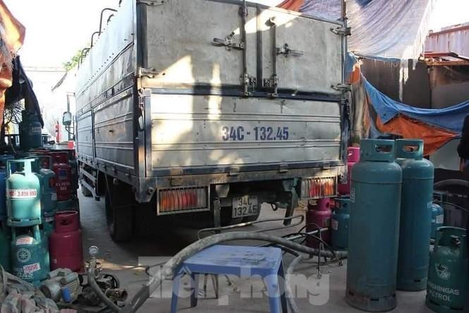 Theo chân Cảnh sát Kinh tế Hải Phòng bắt gas lậu - ảnh 9