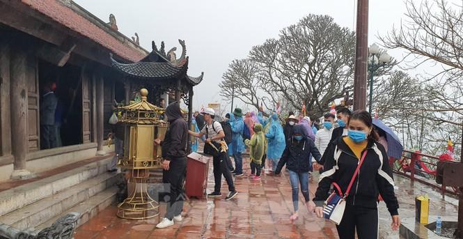 Những hình ảnh khác thường ở Yên Tử trước ngày khai hội - ảnh 1