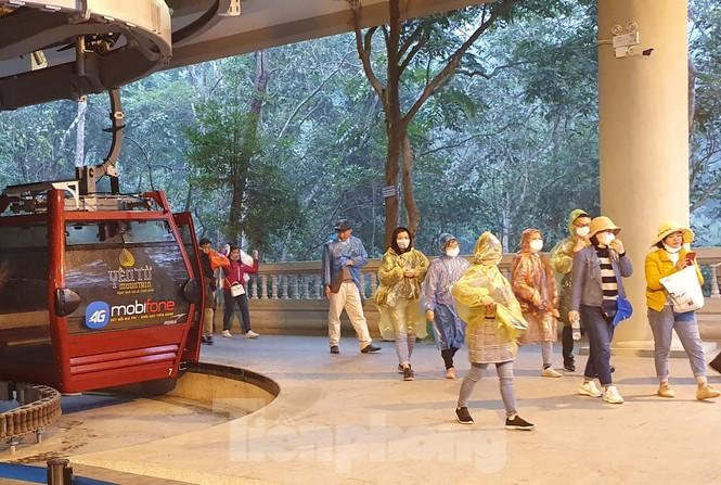 Những hình ảnh khác thường ở Yên Tử trước ngày khai hội - ảnh 3