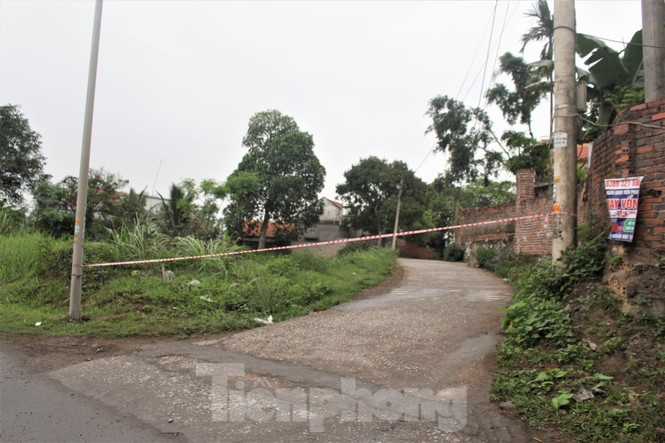 Quảng Ninh lên tiêng vụ đổ đất, cẩu bê tông chặn đường kiểm soát dịch - ảnh 10