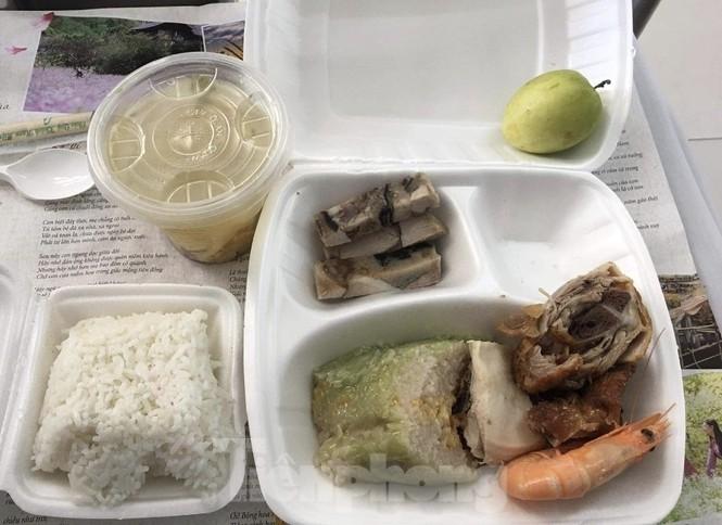 """Công an, thanh tra vào cuộc vụ bữa ăn bị """"cắt xén"""" trong khu cách ly ở Quảng Ninh - ảnh 4"""