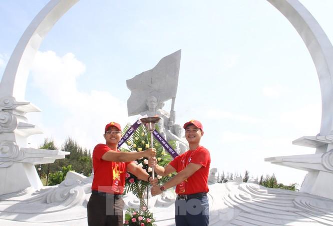 """Hành trình """"Tôi yêu Tổ quốc tôi"""" tưởng niệm các chiến sĩ Gạc Ma - ảnh 3"""