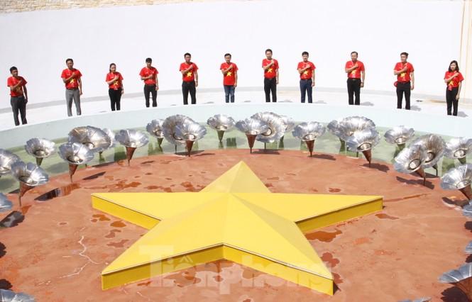 """Hành trình """"Tôi yêu Tổ quốc tôi"""" tưởng niệm các chiến sĩ Gạc Ma - ảnh 4"""