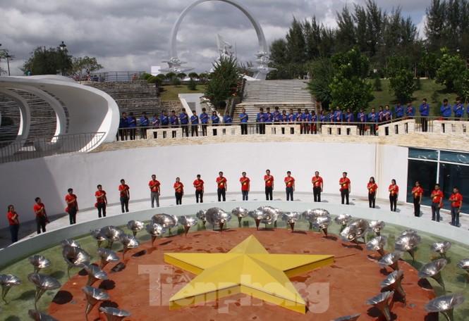 """Hành trình """"Tôi yêu Tổ quốc tôi"""" tưởng niệm các chiến sĩ Gạc Ma - ảnh 5"""