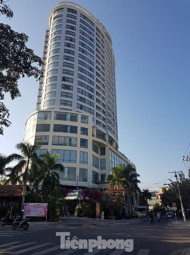 Đang bị điều tra, ông chủ khách sạn Bavico Nha Trang tiếp tục bị khởi tố tội lừa đảo - ảnh 1