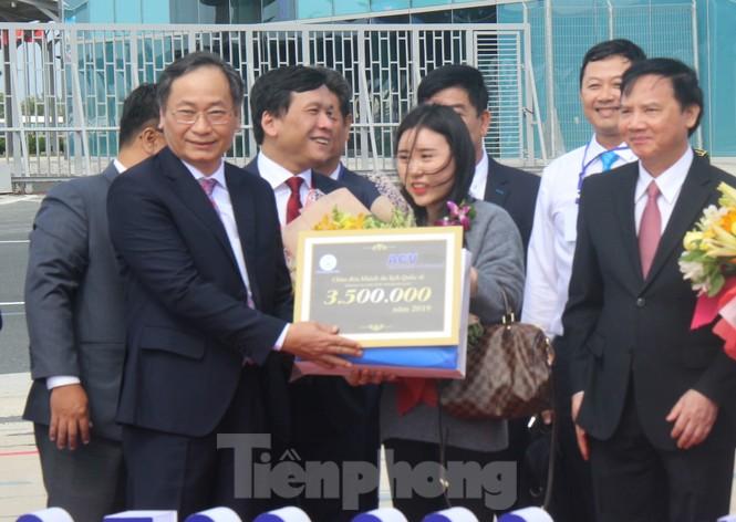 Khánh Hoà đón khách du lịch quốc tế thứ 3,5 triệu - ảnh 1