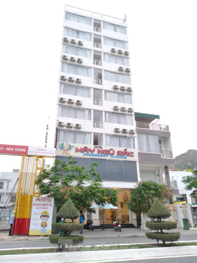 Ba khách sạn ở Nha Trang tự ý xây vượt 76 phòng - ảnh 1