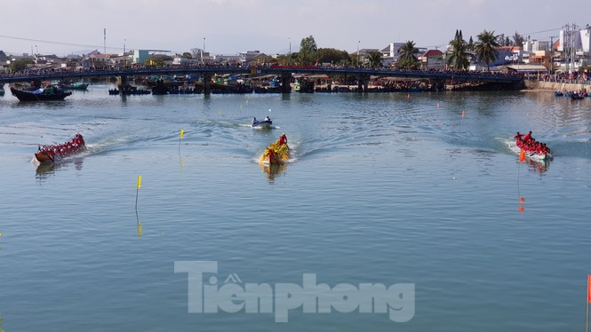 Tưng bừng lễ hội đua thuyền trên sông Cà Ty  - ảnh 5