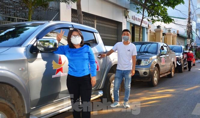 Tây Nguyên: Người dân góp quà động viên tuyến đầu phòng chống COVID-19 - ảnh 2