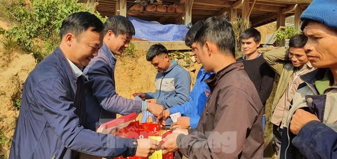 Tập đoàn Vingroup mang Tết sớm đến cho các hộ nghèo miền núi Thanh Hóa - ảnh 5