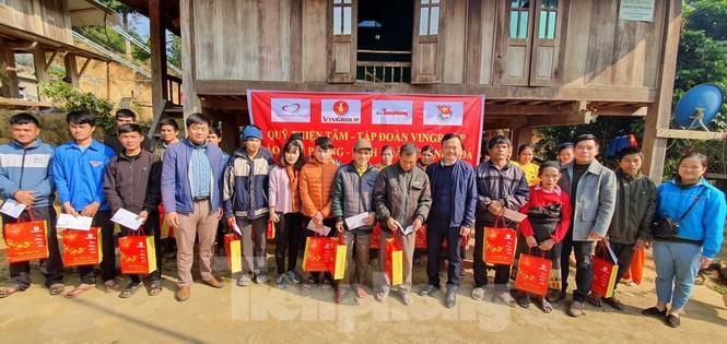Tập đoàn Vingroup mang Tết sớm đến cho các hộ nghèo miền núi Thanh Hóa - ảnh 7