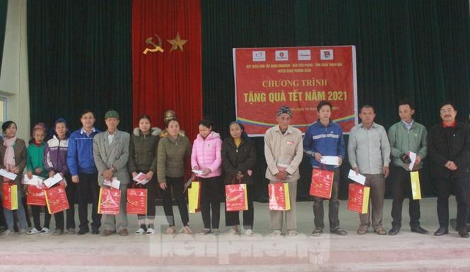 Tập đoàn Vingroup mang Tết sớm đến cho các hộ nghèo miền núi Thanh Hóa - ảnh 4