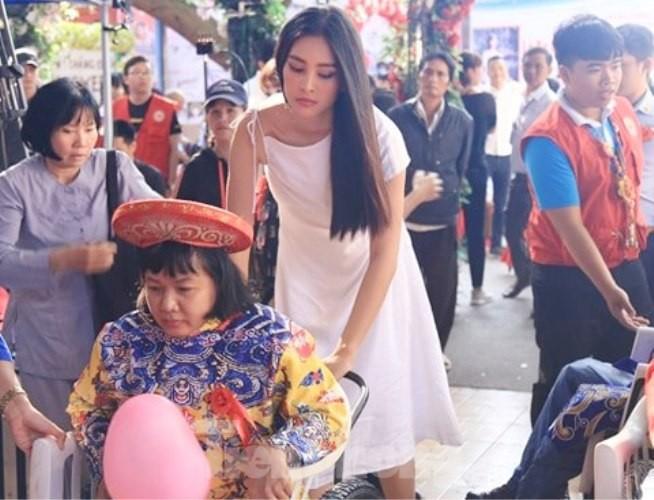 Hoa hậu Tiểu Vy truyền cảm hứng cho những mảnh đời bất hạnh ở Bình Dương - ảnh 3