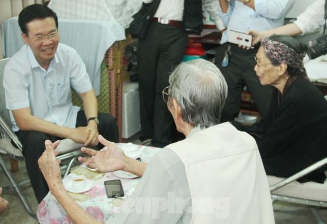 Cuộc gặp đầy xúc động giữa Trương Ban Tuyên giáo TƯ với cha đẻ 'Đất Phương Nam' - ảnh 4