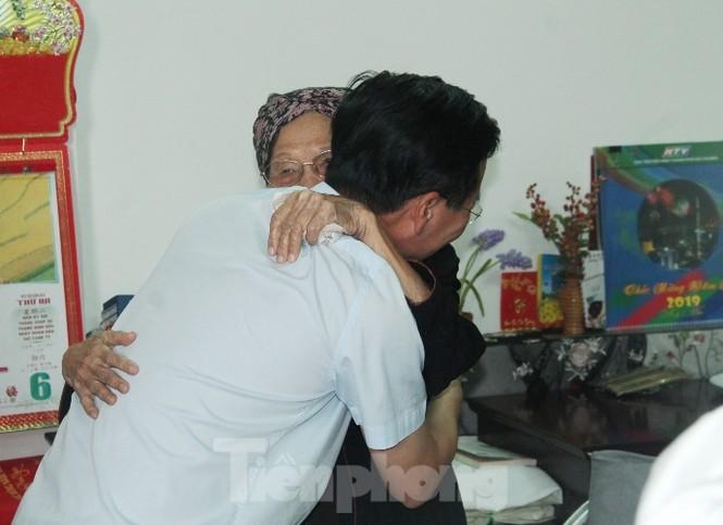 Cuộc gặp đầy xúc động giữa Trương Ban Tuyên giáo TƯ với cha đẻ 'Đất Phương Nam' - ảnh 2