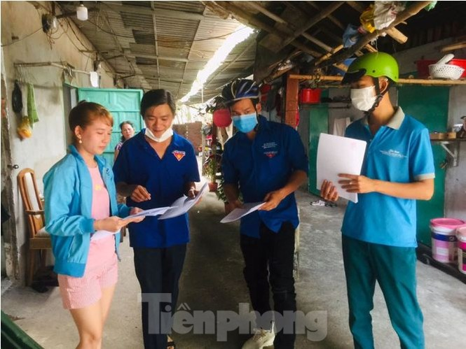 Hình ảnh đẹp của Đoàn thanh niên giúp dân chống dịch virus corona - ảnh 2