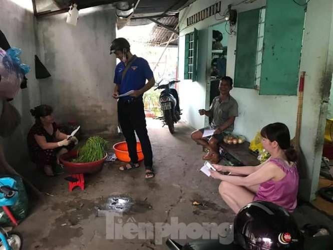 Hình ảnh đẹp của Đoàn thanh niên giúp dân chống dịch virus corona - ảnh 8