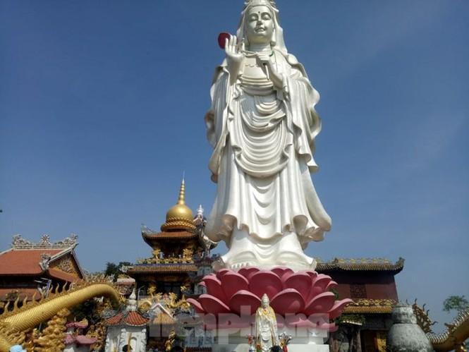 Huyền bí ngôi chùa 'độc nhất vô nhị' ở Bình Dương - ảnh 6