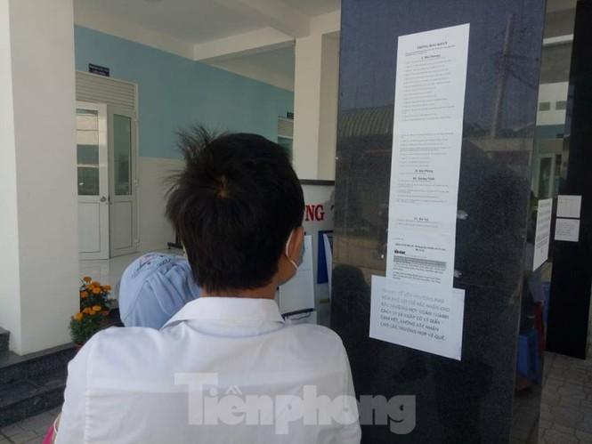 Trở lại làm việc sau Tết, công nhân ồ ạt đến trạm y tế khai báo - ảnh 5