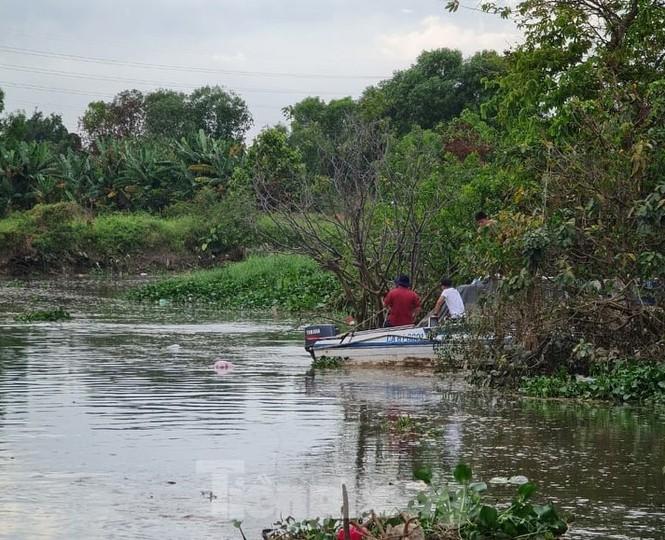 Ra sông bắt ốc làm mồi nhậu, người đàn ông đuối nước tử vong - ảnh 1