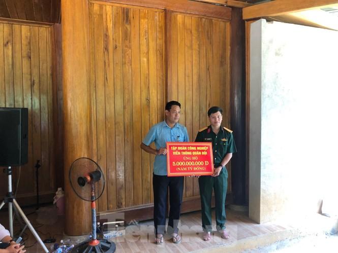 Trưởng ban Tổ chức Trung ương thăm hỏi, chỉ đạo khắc phục hậu quả mưa lũ - ảnh 14