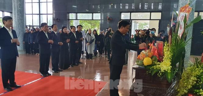 Người thân, đồng đội nghẹn ngào tiễn biệt Đại tá Hoàng Mai Vui hi sinh ở Rào Trăng 3 - ảnh 4