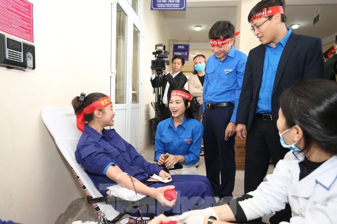 Hơn 100 đoàn viên thanh niên Z111 tham gia hiến máu tại ngày hội Chủ nhật Đỏ - ảnh 5