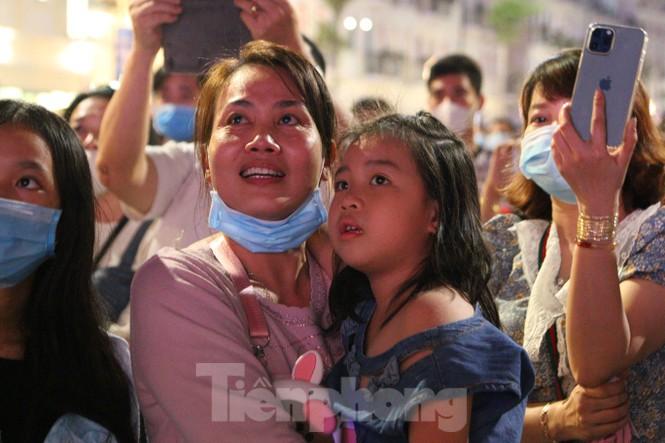 Rực rỡ pháo hoa chào mừng thành lập thành phố Phú Quốc - ảnh 10