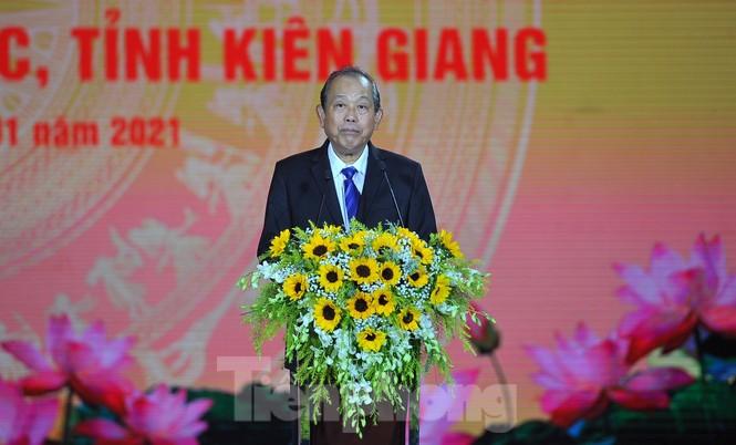 Rực rỡ pháo hoa chào mừng thành lập thành phố Phú Quốc - ảnh 6