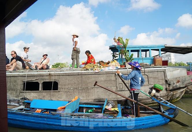 Chợ nổi Cái Răng-Cần Thơ tấp nập khách du lịch ngày đầu năm - ảnh 11