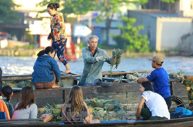 Chợ nổi Cái Răng-Cần Thơ tấp nập khách du lịch ngày đầu năm - ảnh 4
