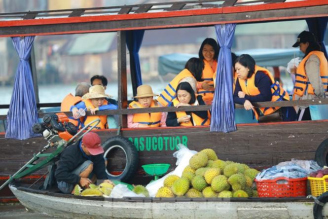 Chợ nổi Cái Răng-Cần Thơ tấp nập khách du lịch ngày đầu năm - ảnh 5