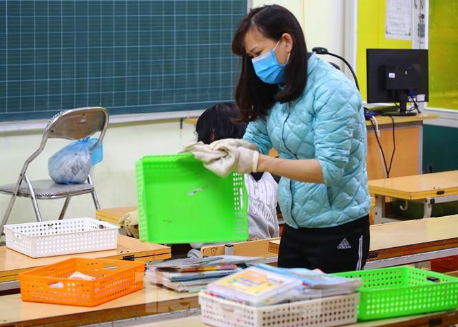 Cận cảnh các trường Hà Nội vệ sinh khử khuẩn phòng dịch virus corona - ảnh 8