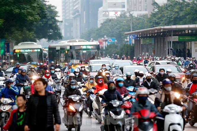 Người dân Thủ đô lại bị ám ảnh tắc đường những ngày cuối năm - ảnh 8