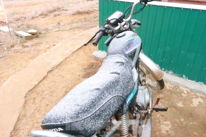Xuất hiện băng tuyết tại xã biên giới Mèo Vạc - Hà Giang - ảnh 7