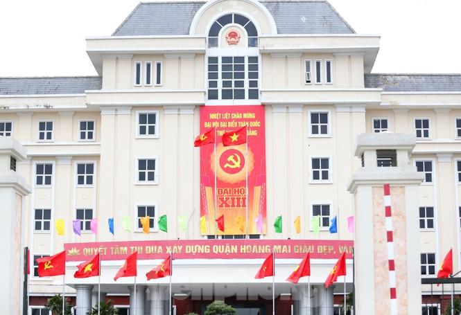Hà Nội rực rỡ cờ, áp phích chào mừng Đại hội XIII của Đảng - ảnh 10