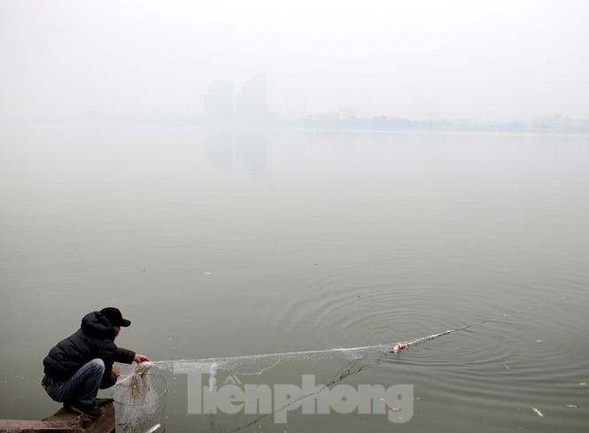 Hà Nội mịt mù trong màn sương dày đặc mỗi sáng - ảnh 13
